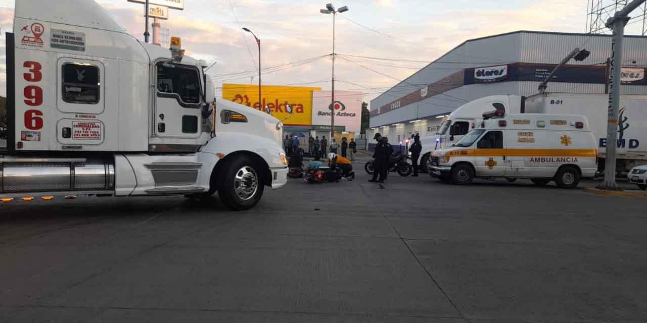 Motociclista choca con tráiler en Tuxtepec | El Imparcial de Oaxaca
