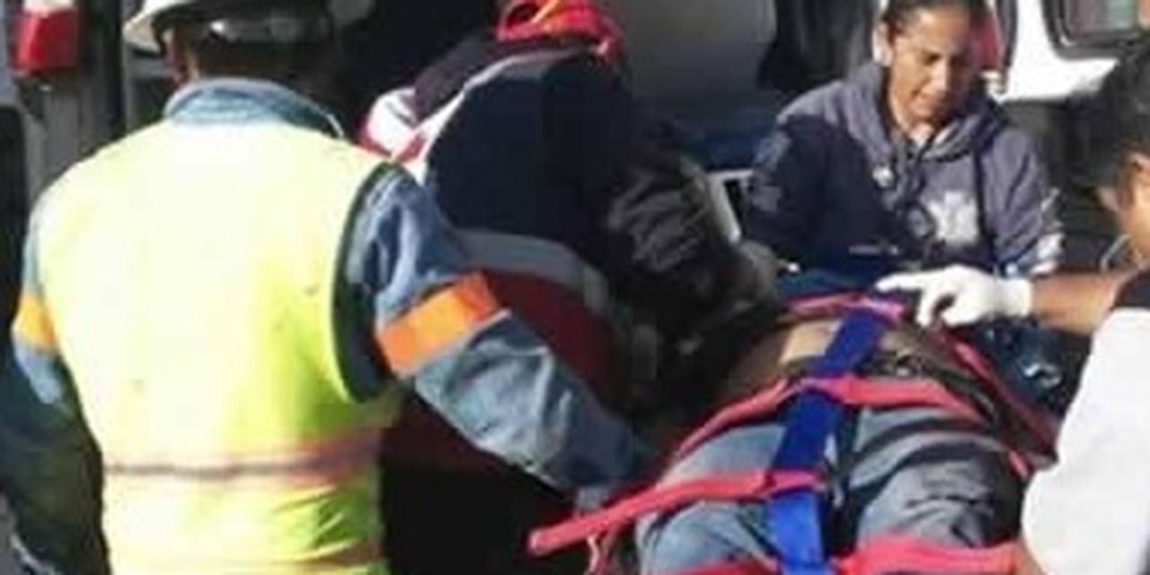 Dos trabajadores de la CFE caen de un poste | El Imparcial de Oaxaca