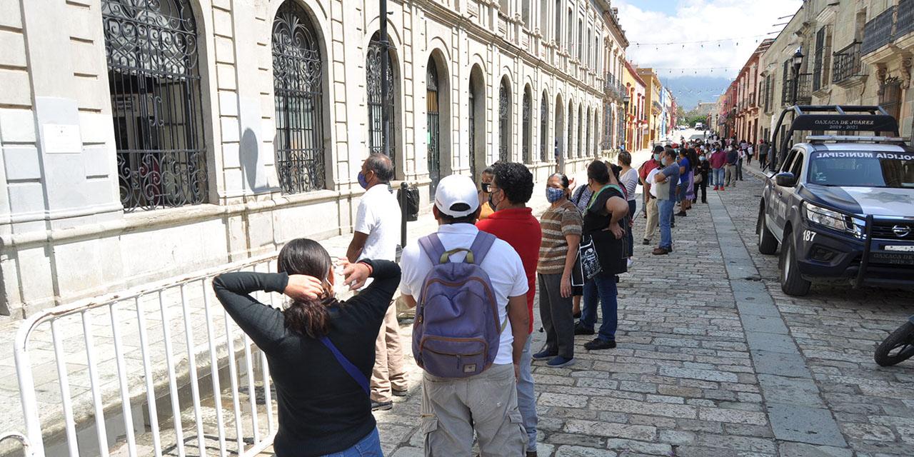 Largas filas en el Monte de Piedad de Oaxaca al reabrir tras tercer cierre   El Imparcial de Oaxaca