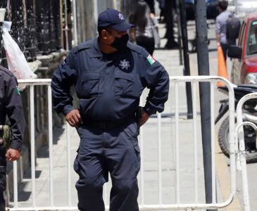 Oaxaqueños desconfían de los policías y jueces