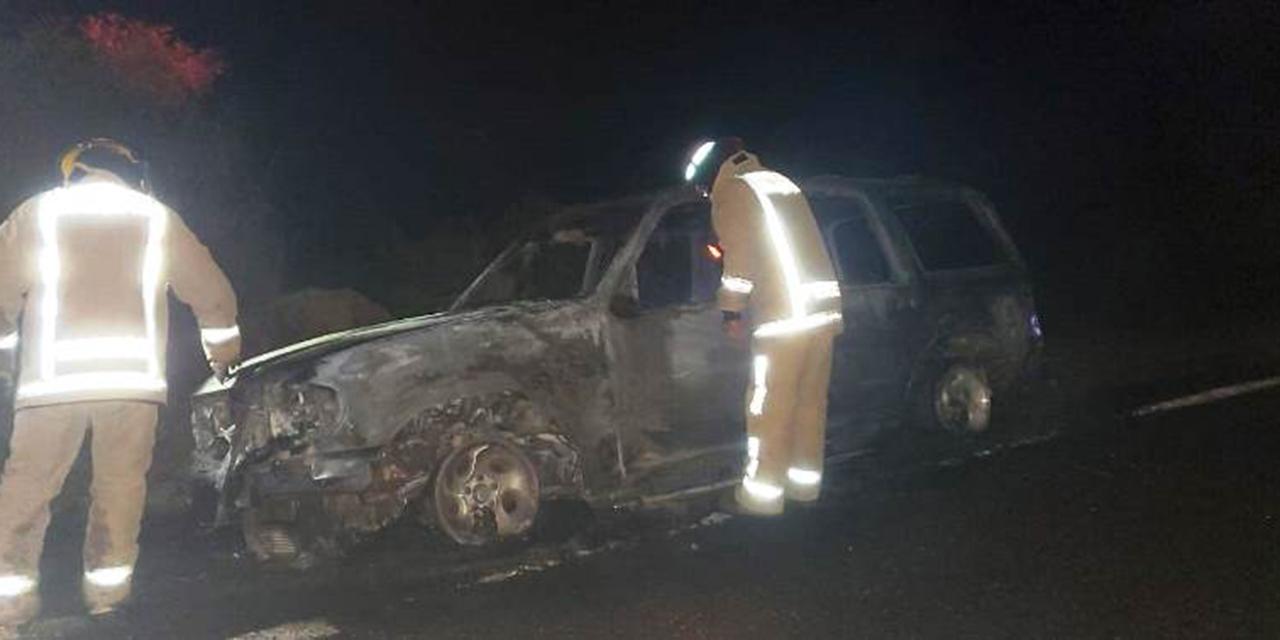 Se incendia camioneta en la carretera Huajuapan-Oaxaca   El Imparcial de Oaxaca