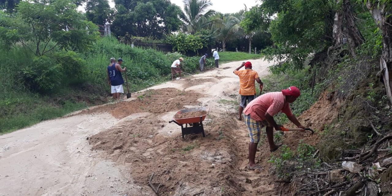 Tras fuertes lluvias reparan carretera   El Imparcial de Oaxaca