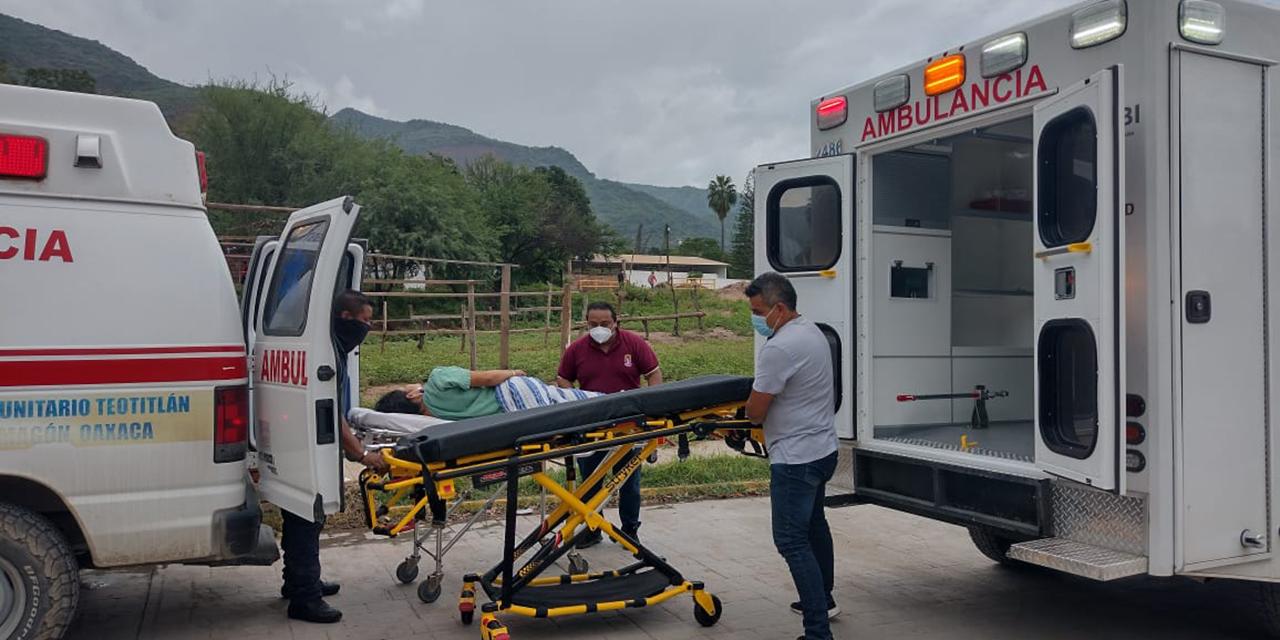Queda varada ambulancia de Teotitlán de Flores Magón   El Imparcial de Oaxaca