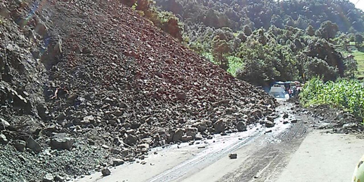 Alertan por derrumbes carreteros en la Mixteca | El Imparcial de Oaxaca