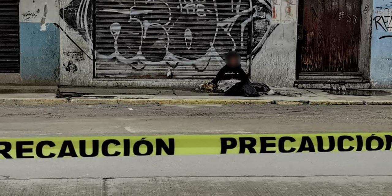 Muere en la vía pública durante la madrugada; sin hogar y sin nombre   El Imparcial de Oaxaca