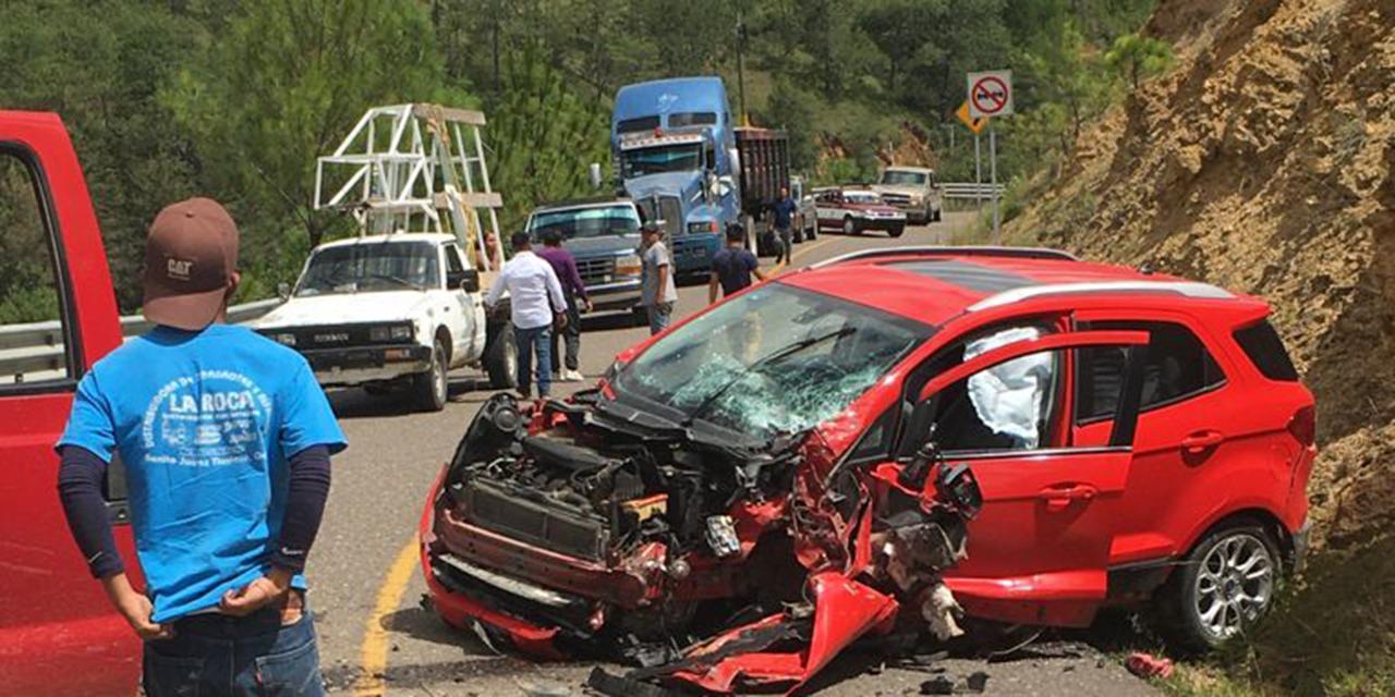 Violento choque en carretera Tlaxiaco-Putla | El Imparcial de Oaxaca