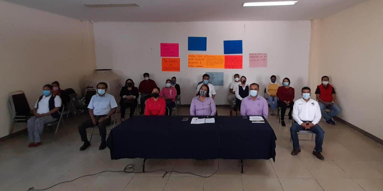 Participa personal de salud en manifestación desde la Mixteca   El Imparcial de Oaxaca