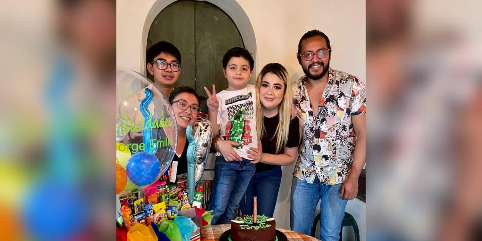 Dulce festejos para Emilio   El Imparcial de Oaxaca