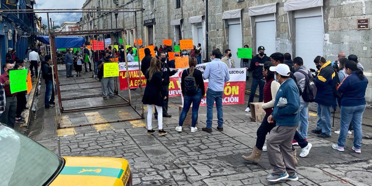 Protesta comercio establecido contra ambulantaje y cierre de calles en la capital
