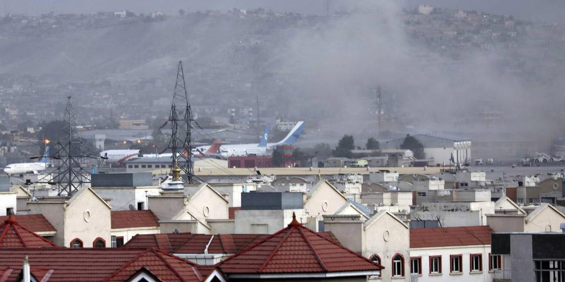 Ataques con explosivos en las afueras del aeropuerto de Kabul deja al menos 60 muertos   El Imparcial de Oaxaca