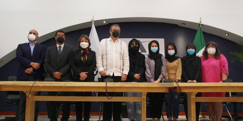 Destaca la UNAM papel de México como refugio de personas de Afganistán | El Imparcial de Oaxaca