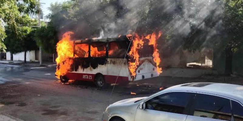 Delincuentes queman autobús de pasajeros en Tamaulipas | El Imparcial de Oaxaca