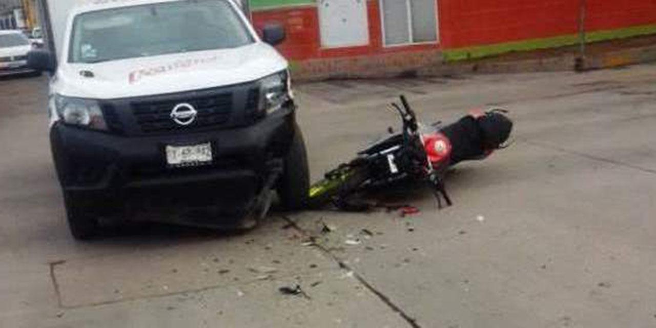 Motociclista choca contra camioneta en La Mixteca   El Imparcial de Oaxaca