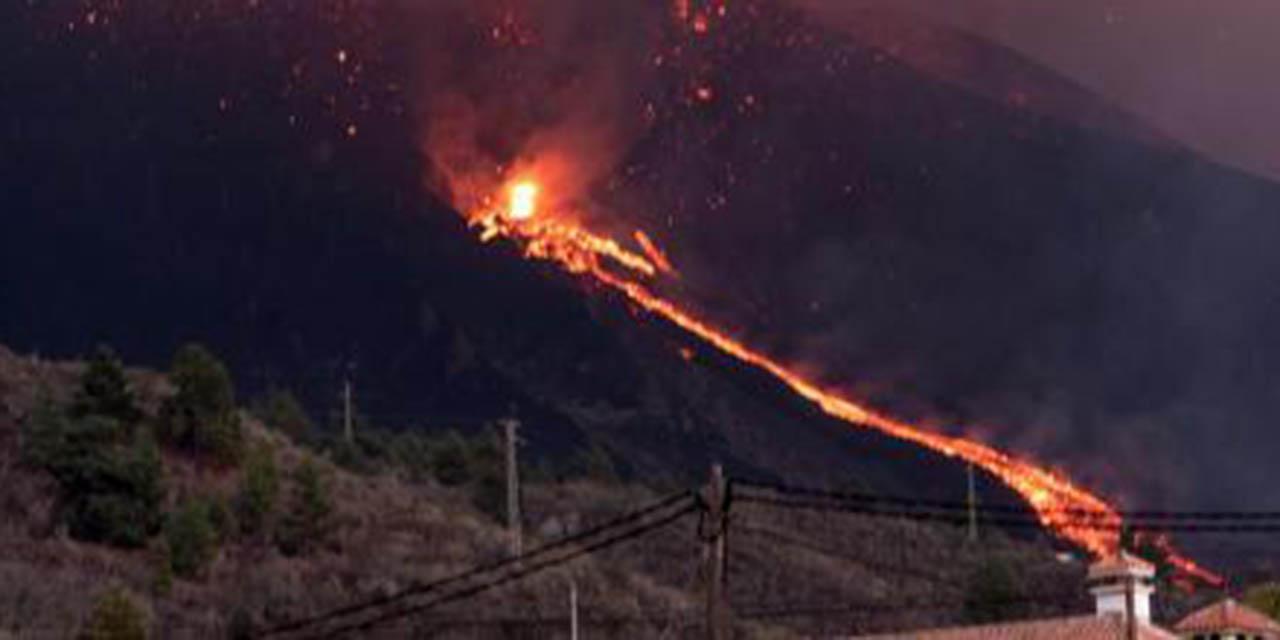 Video: Se rompe cono del volcán de La Palma; lava se desliza hacia el mar | El Imparcial de Oaxaca