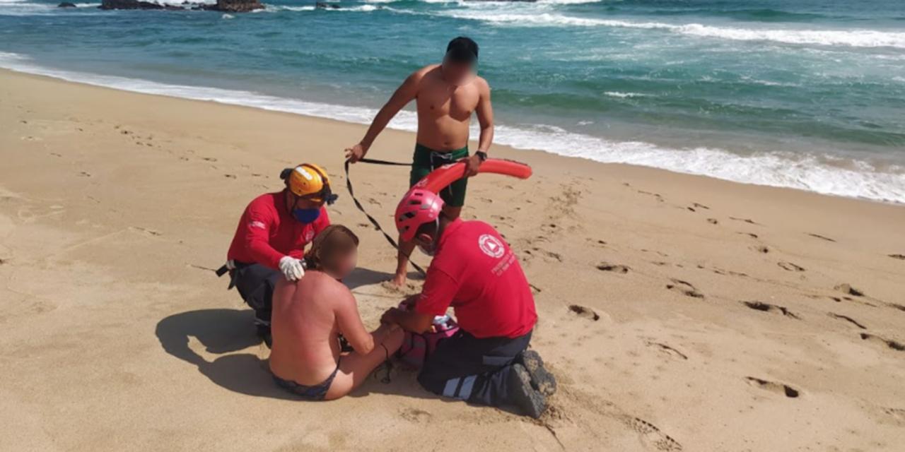 Turistas se salvan de morir en playa Bacocho | El Imparcial de Oaxaca
