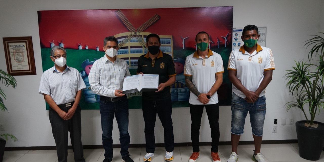 Signan convenio de colaboración por temporada 2021   El Imparcial de Oaxaca