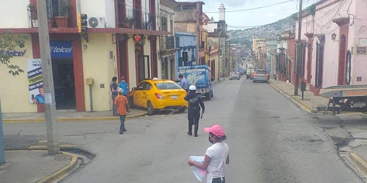 Choque en el centro de la capital oaxaqueña   El Imparcial de Oaxaca