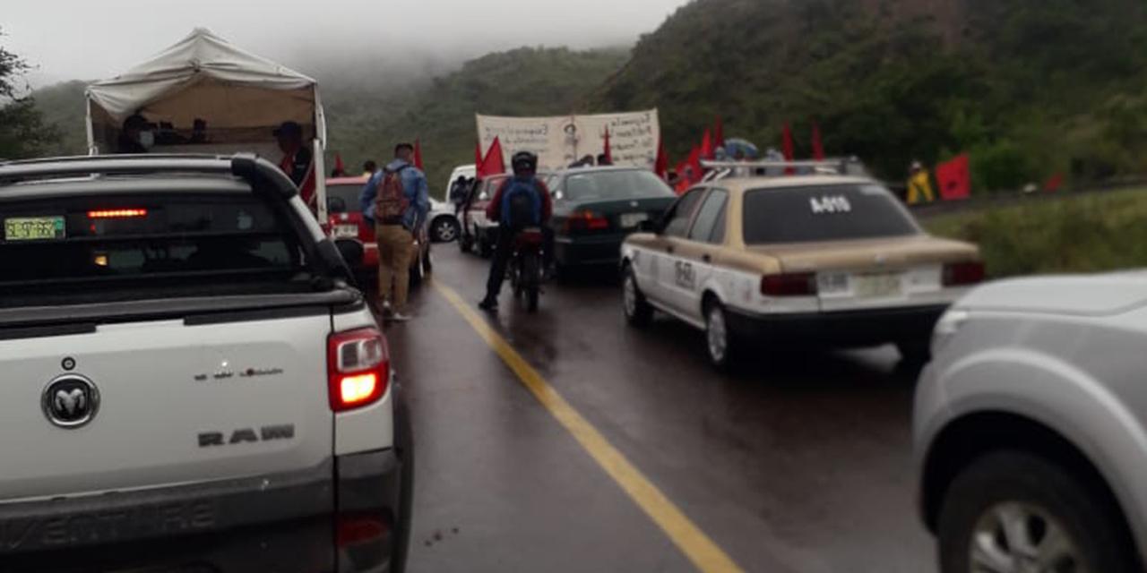 Con bloqueo exigen revocación de mandato de edil de Ayuquila | El Imparcial de Oaxaca