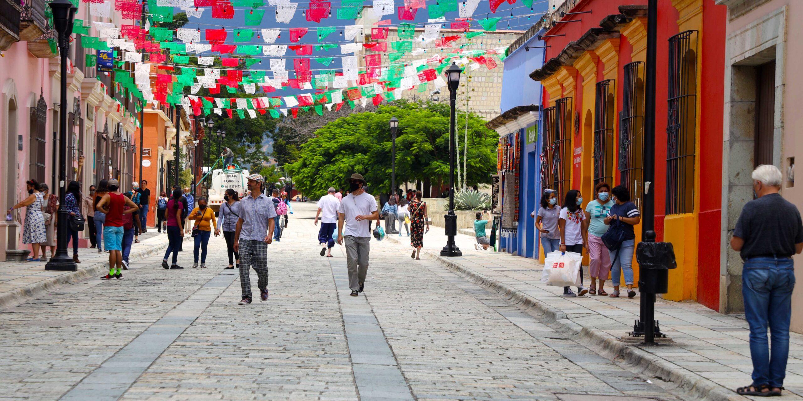 Pese a contagios de Covid, ciudadanos relajan medidas sanitarias | El Imparcial de Oaxaca