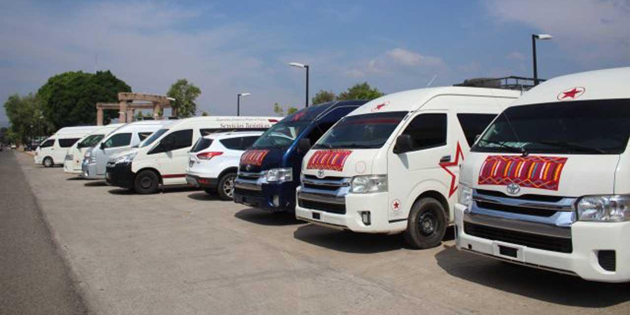 Presionan transportistas a SCT; exigen 80 permisos | El Imparcial de Oaxaca