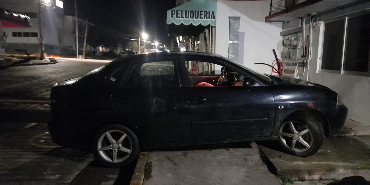Conductor casi entra a la Cruz Roja Mexicana   El Imparcial de Oaxaca