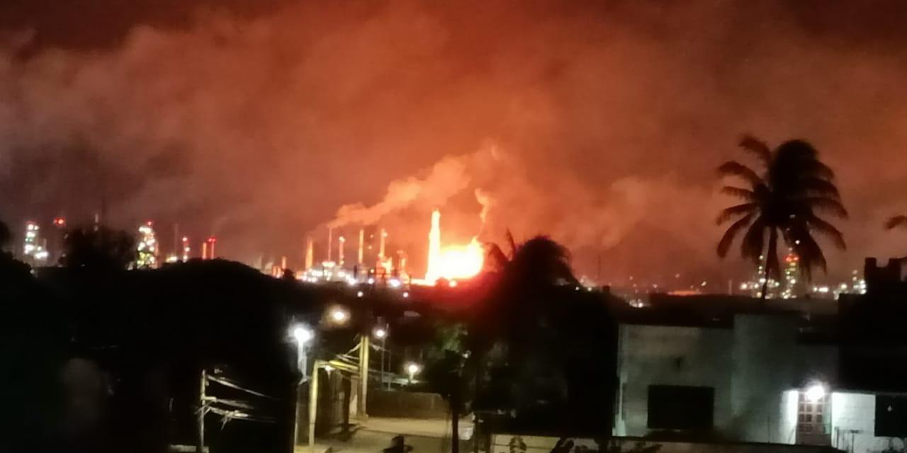 Tras explosión, despiden a trabajadores en la refinería | El Imparcial de Oaxaca