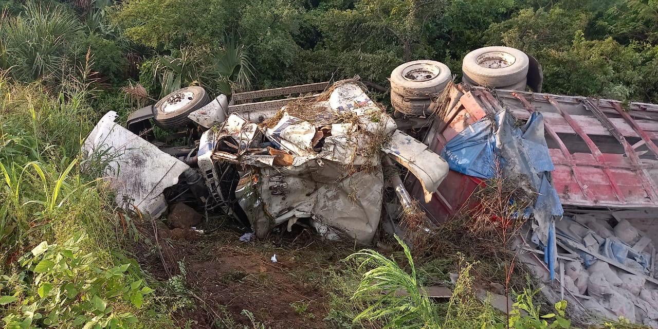 Chofer sufre terrible accidente en La Ventosa | El Imparcial de Oaxaca
