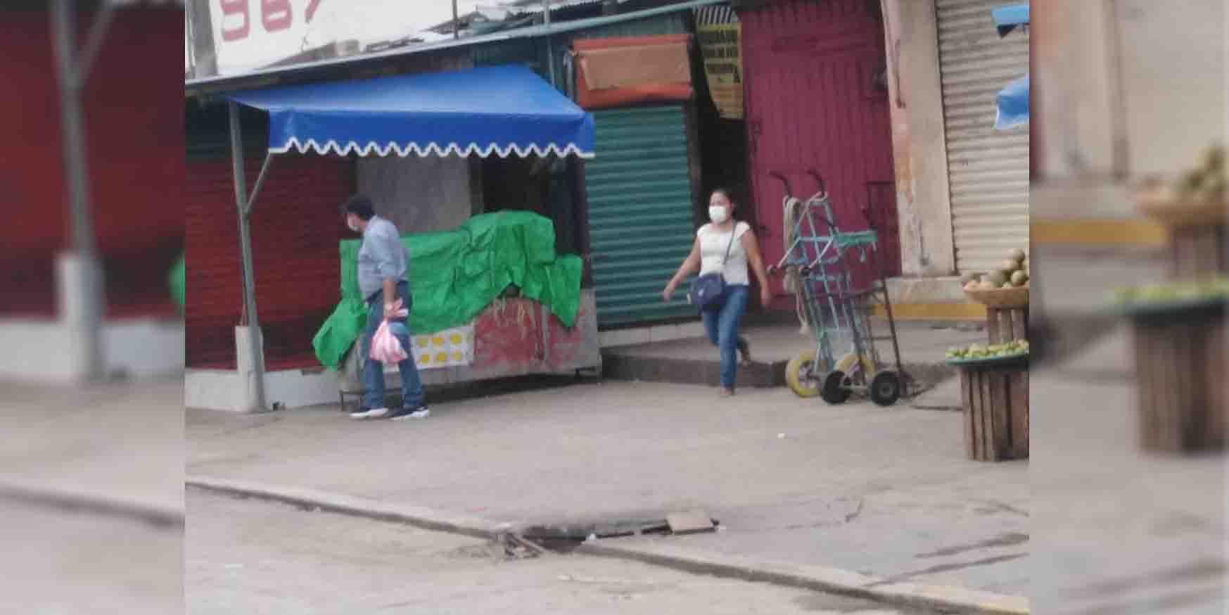 Comerciantes de Matías Romero exigen arreglar alcantarillas   El Imparcial de Oaxaca