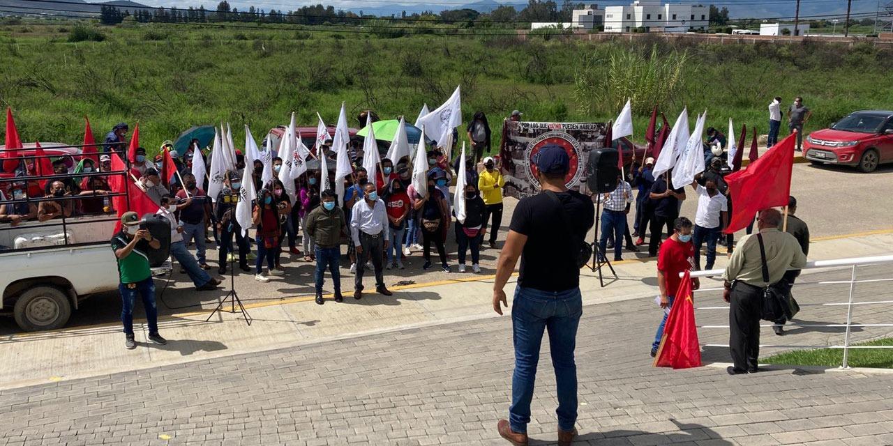 Se manifiestan por caso Nochixtlán en juzgados federales | El Imparcial de Oaxaca