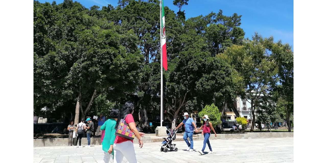 Adornan la capital oaxaqueña por fiestas patrias, se olvidan de los héroes de la Independencia | El Imparcial de Oaxaca