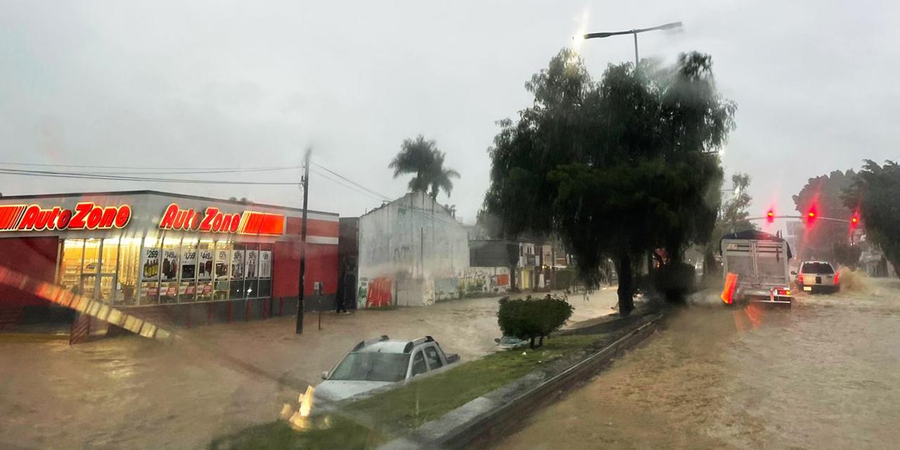 En Oaxaca reportan vialidades anegadas y la red de drenaje colapsada   El Imparcial de Oaxaca