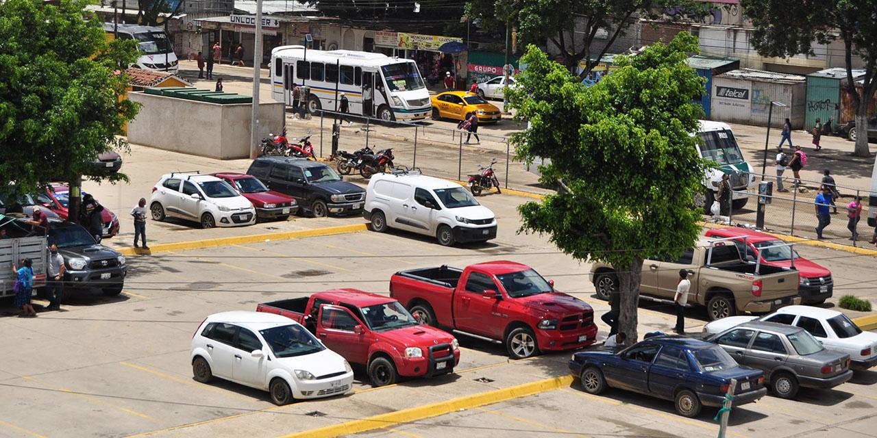 Estacionamiento de la Central genera 9 mdp; nada le invierten | El Imparcial de Oaxaca