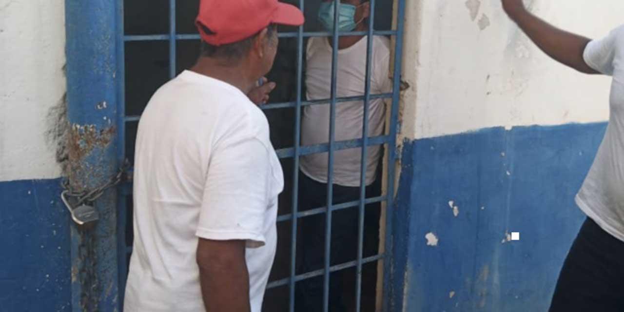 Retienen a policías y funcionarios en Jocotepec | El Imparcial de Oaxaca
