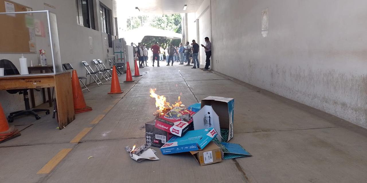 Azuza Fredy Gil a  transportistas y vandalizan oficinas de Semovi | El Imparcial de Oaxaca