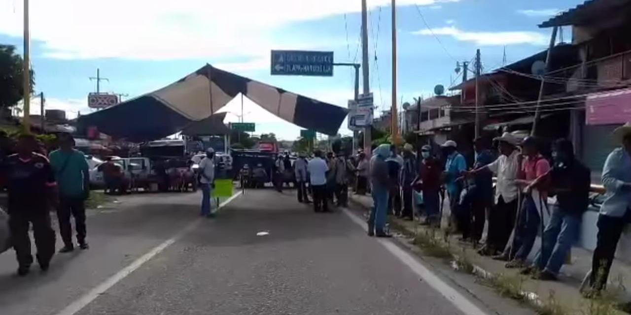 Encapsulan vía terrestre a Santiago Pinotepa Nacional   El Imparcial de Oaxaca