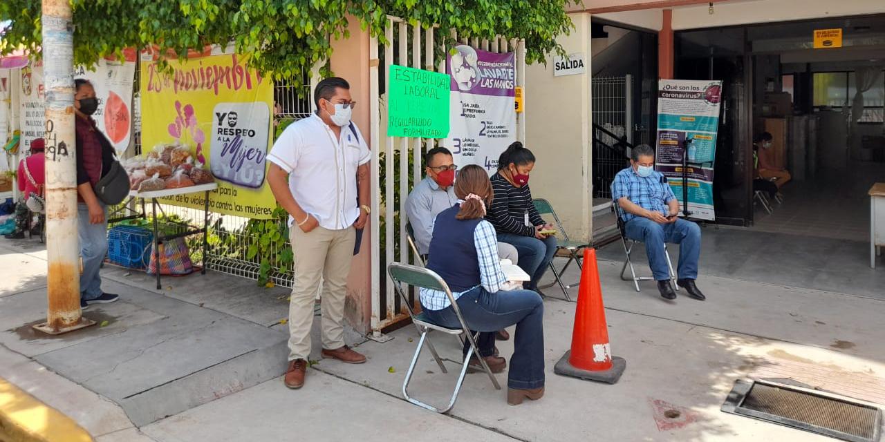 Protestan ante despidos del personal de Salud   El Imparcial de Oaxaca