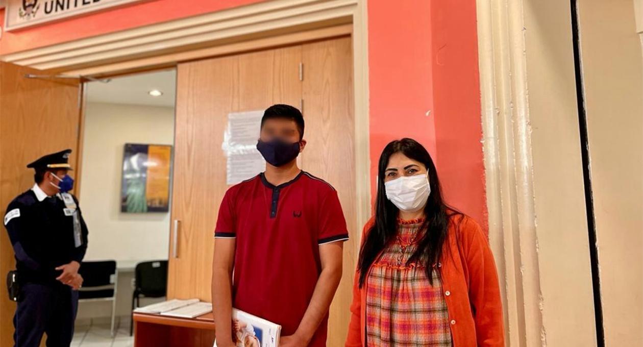 Entregan pasaportes americanos a menores de edad de origen oaxaqueño | El Imparcial de Oaxaca