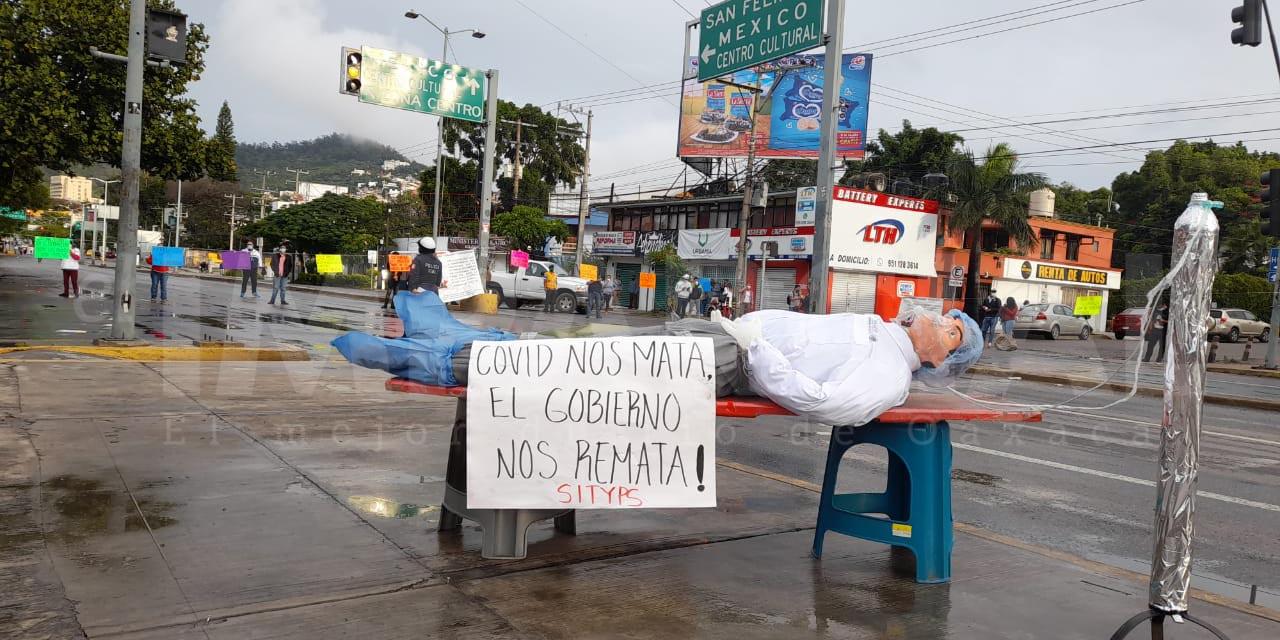 Trabajadores de Salud realizan bloqueo ante falta de atención a sus demandas | El Imparcial de Oaxaca