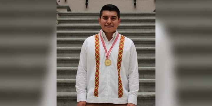 Recibe Ricardo  Premio Estatal  de la Juventud | El Imparcial de Oaxaca
