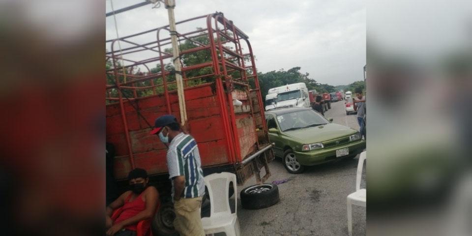 Cierran carretera en La Chigola   El Imparcial de Oaxaca