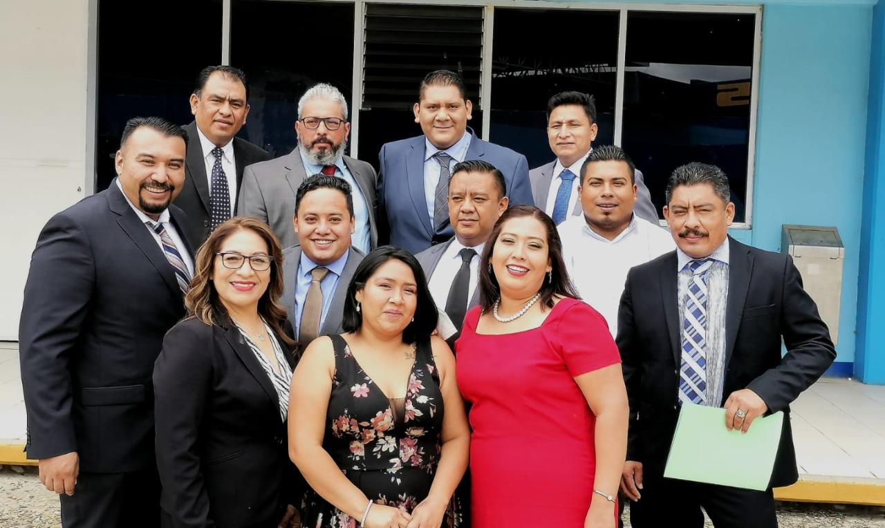 Egresan 65 licenciados en Derecho Burocrático   El Imparcial de Oaxaca