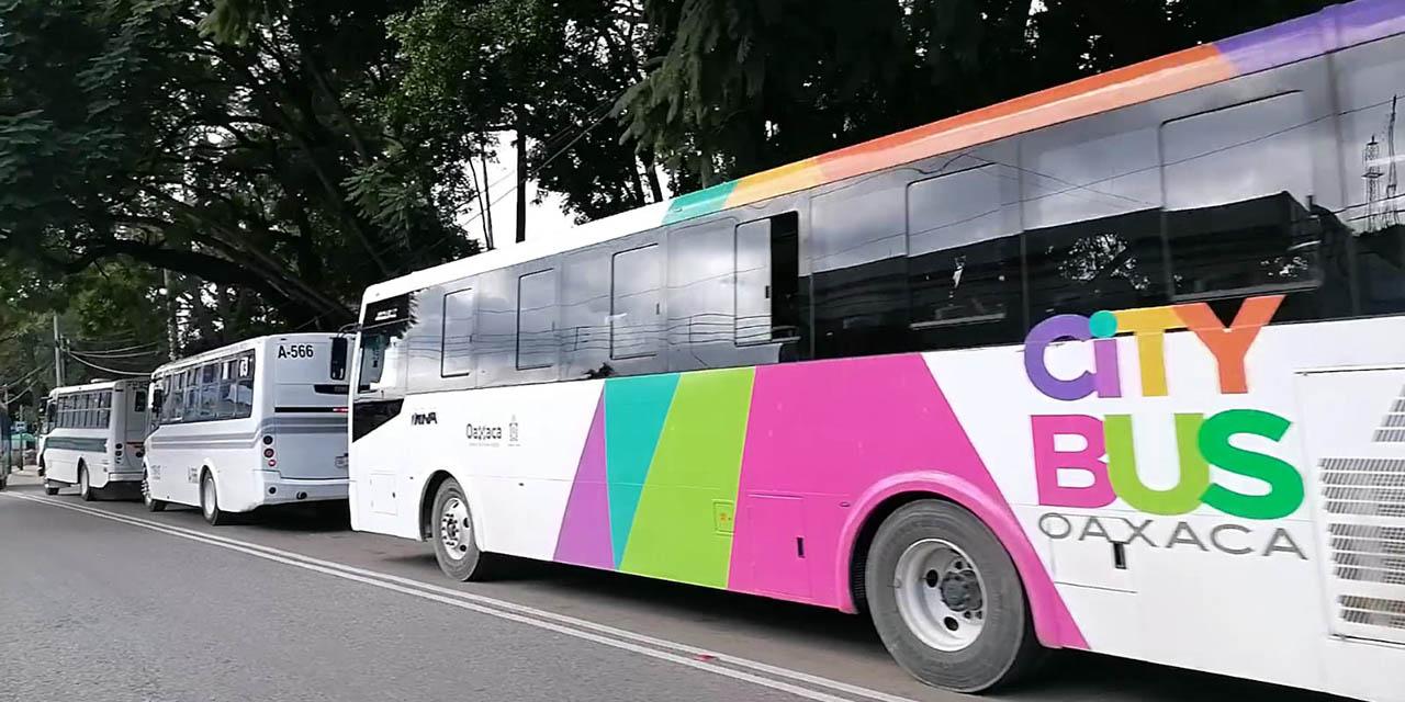 No respetan carriles del Citybus | El Imparcial de Oaxaca