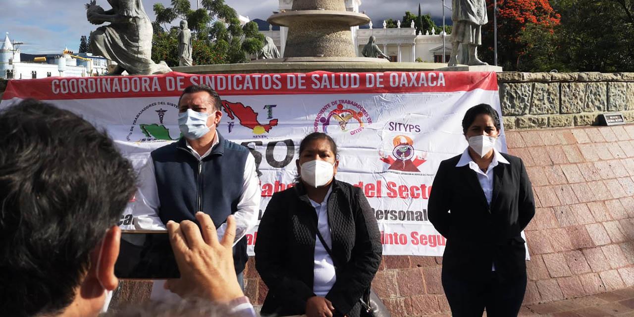 Con marcha, piden reincorporar a personal de salud despedido   El Imparcial de Oaxaca