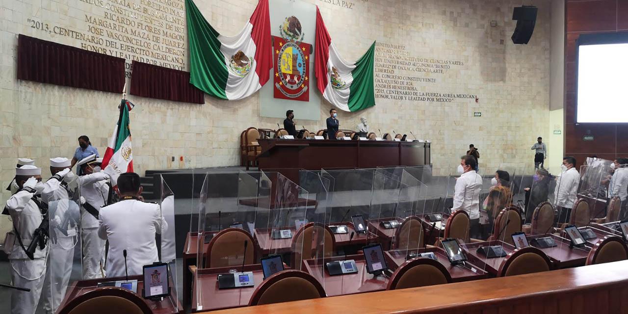 Develan placa conmemorativa de la Armada de México   El Imparcial de Oaxaca