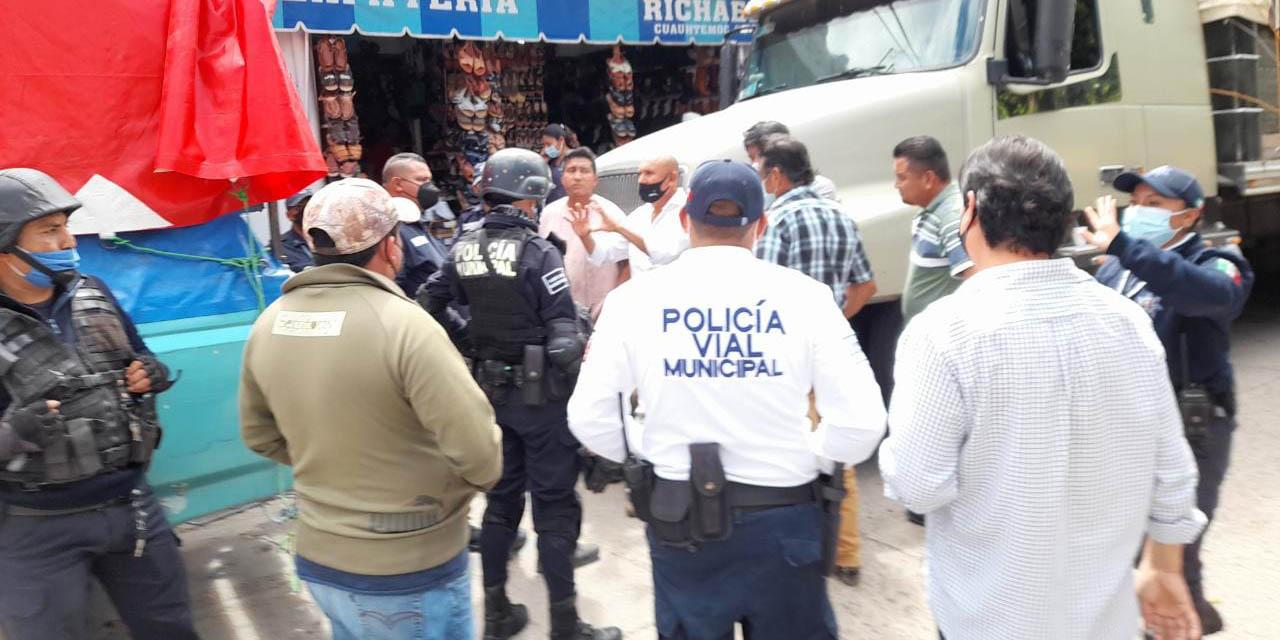 Bloquearon calle céntrica de Huajuapan | El Imparcial de Oaxaca