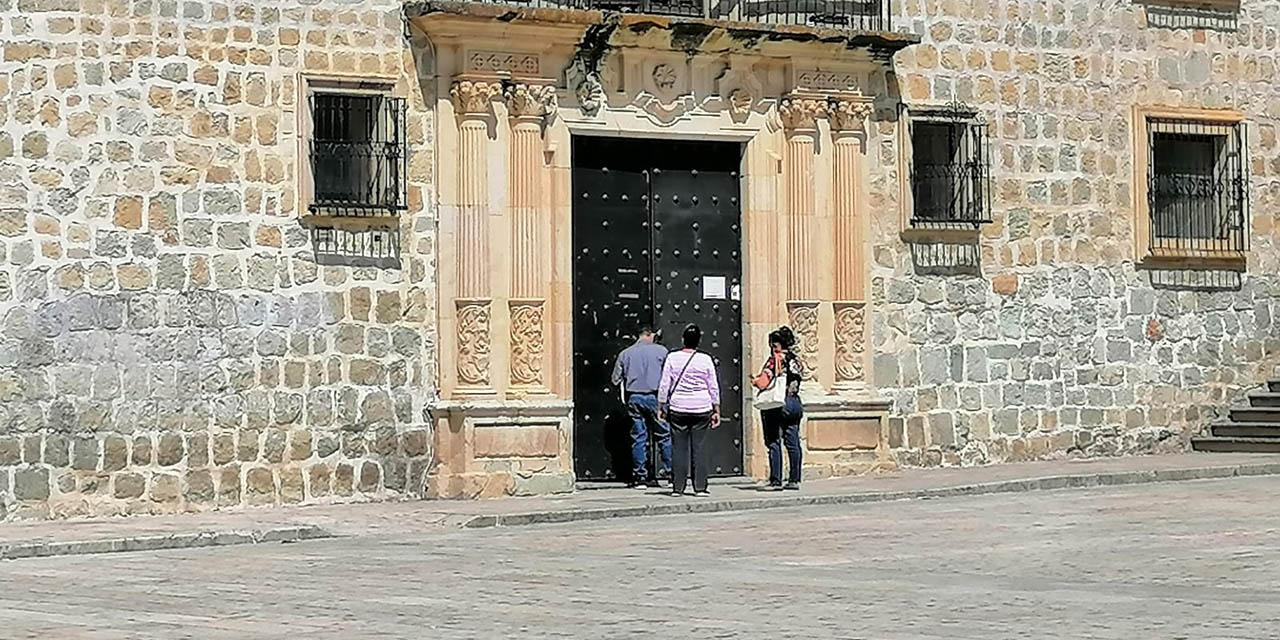 Por brotes de Covid-19, persiste desatención a ciudadanía en palacio municipal de Oaxaca de Juárez | El Imparcial de Oaxaca