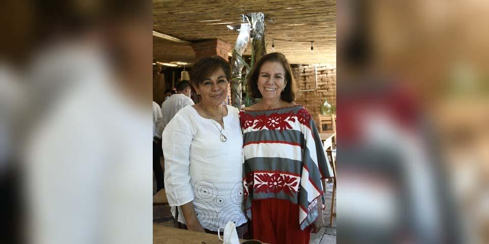 Festejan entre amigas | El Imparcial de Oaxaca