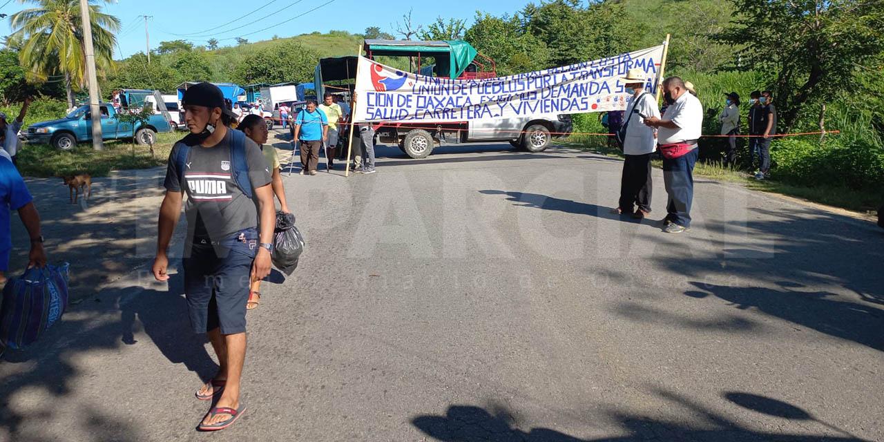 Bloqueo en la Federal 200, Pinotepa Nacional – Acapulco