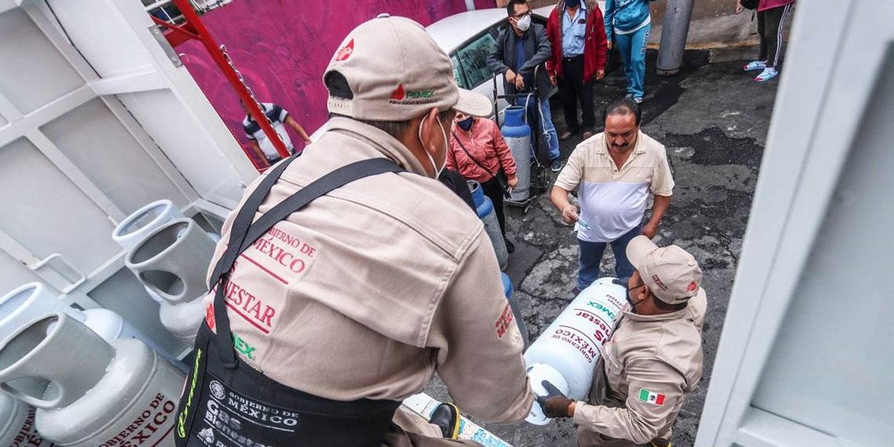 """Protestan trabajadores de """"Gas Bienestar"""" por incumplimiento de contrato   El Imparcial de Oaxaca"""