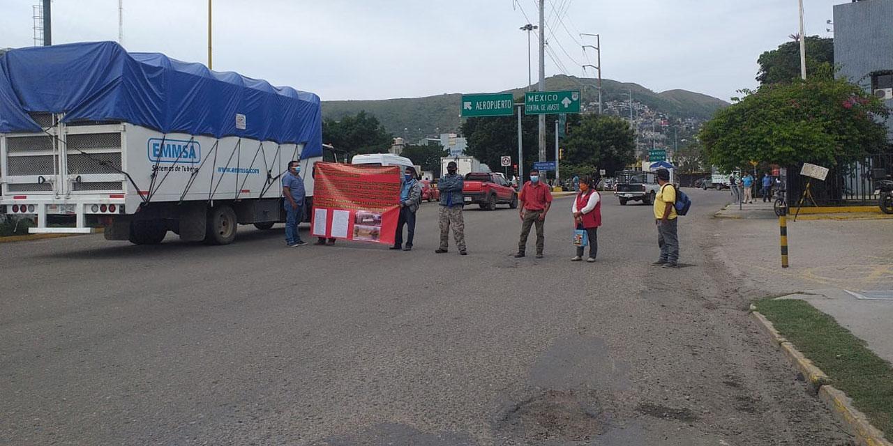 Bloquean habitantes de Etla enfrente de CFE Periférico | El Imparcial de Oaxaca
